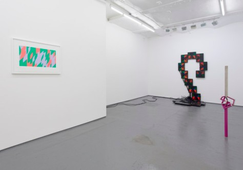 Installation view, with works from left to right by Bridget Riley, James Alec Hardy and Julian Wild. Image courtesy of Fold gallery